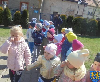 Przedszkolaki uwielbiają spacery9