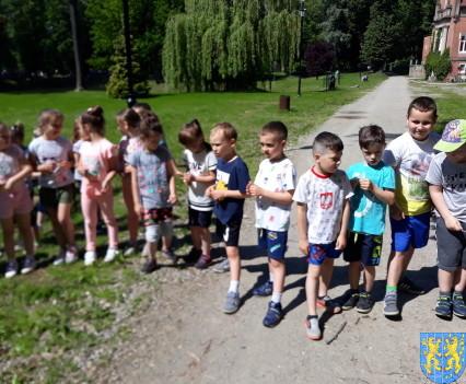 Przedszkolaki pobiegły szlakiem Marianny Orańskiej7