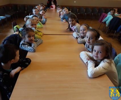 Przedszkolaki z Baśniowej Krainy z wizytą2