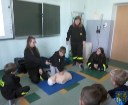 Udzielanie pierwszej pomocy17