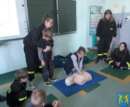 Udzielanie pierwszej pomocy18