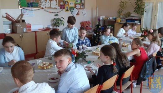 Wigilie klasowe w Szkole Podstawowej nr 2 im. Papieża Jana Pawła II