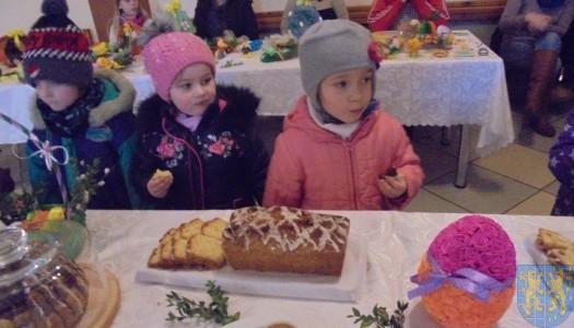 Przedszkolaki na Jarmarku  Wielkanocnym