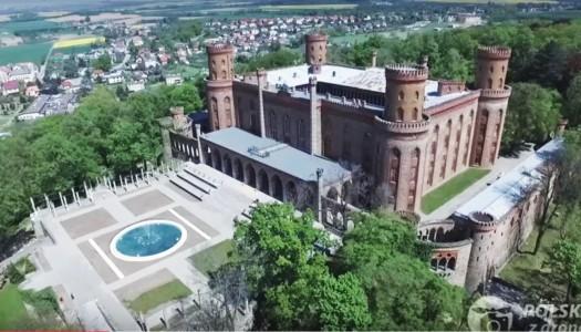 Kamieniecki pałac widziany z drona [VIDEO]