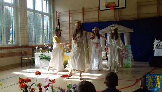 Wiosenny przegląd klasowych zespołów teatralnych
