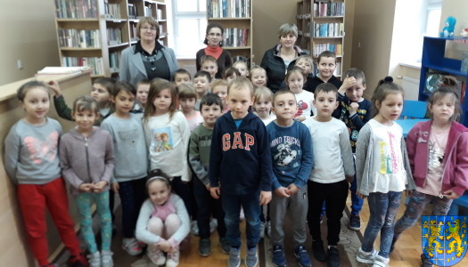 Przedszkolaki z Baśniowej Krainy z wizytą w Bibliotece Publicznej
