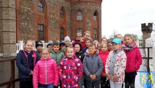 Uczniowie w Pałacu Marianny Orańskiej