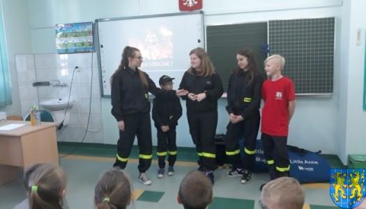Udzielanie pierwszej pomocy – uczymy się i doskonalimy umiejętności dzięki Młodzieżowej Drużynie Pożarniczej w Kamieńcu Ząbkowickim nr 2