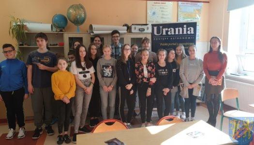 Astronomia w kamienieckich szkołach – pasjonujące zajęcia dla młodszych i starszych uczniów