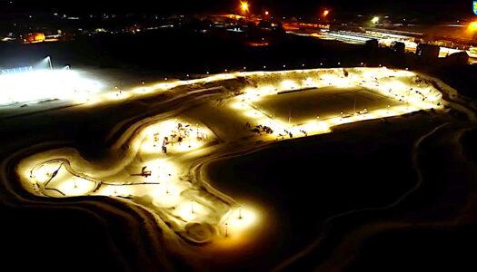 Miejsce dla sportu i rekreacji w plenerze – zobacz VIDEO z placu budowy pod osłoną nocy i zimy