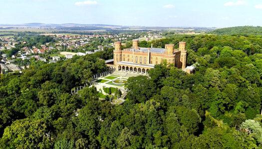Pałac Mariany Orańskiej w Kamieńcu Ząbkowickim – wraca do piękna i staje się coraz bardziej otwarty – zobacz VIDEO